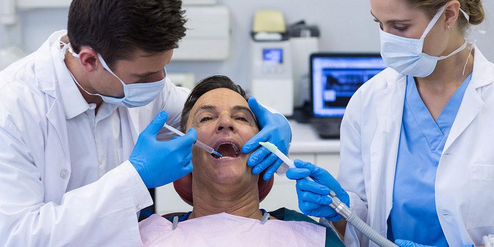 Проведение имплантации зубов под анестезией